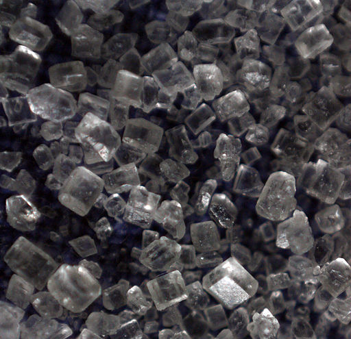 Sugar Crystals by Edal Anton Lefterov [CC BY-SA 3.0 (https://creativecommons.org/licenses/by-sa/3.0) or GFDL (http://www.gnu.org/copyleft/fdl.html)], from Wikimedia Commons