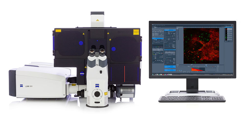 ELYRA-superresolution structured illumination, photoactivated localization microscopy,both technologies simultaneously-ZEISS Microscopy-Germany[CC BYSA(https://creativecommons.org/licenses/by-sa/2.0)]